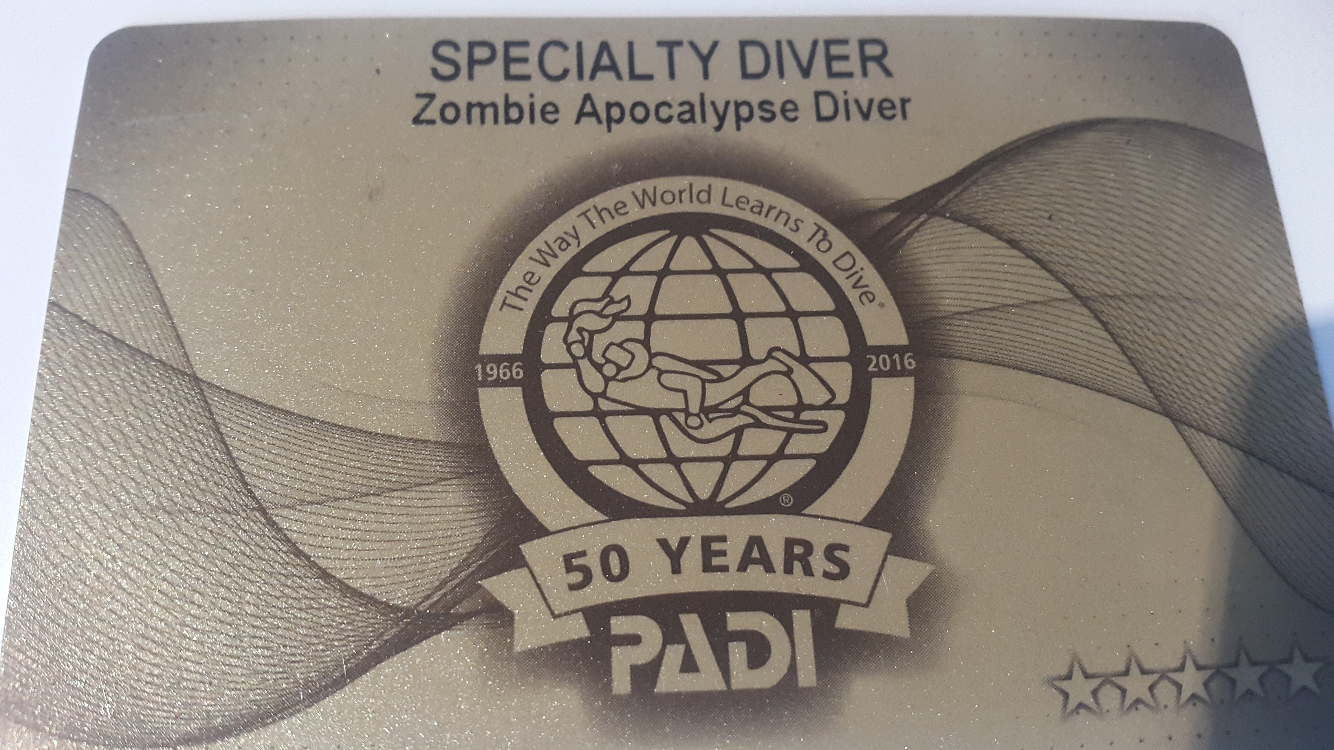 PADI Zombie Apocalypse Diver med Dive Team